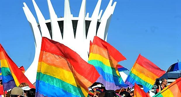 ORGULHO GAY EM BRASÍLIA