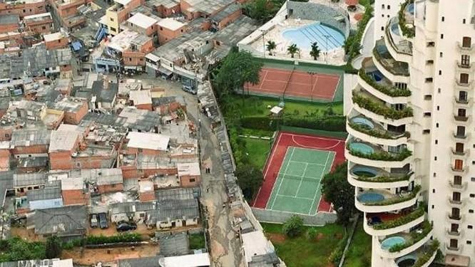 FRANCISCO ORTIGÃO ADVOGADOS - ACESSO DE COMUNIDADES CARENTES À JUSTIÇA